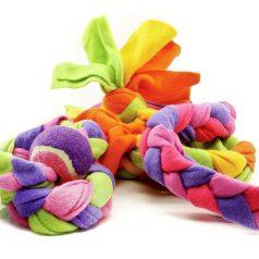 fleecy cleans tug knot